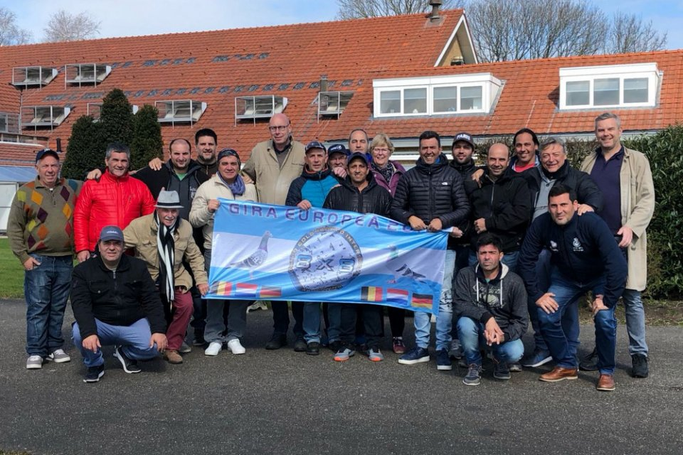 Group of Argentinian pigeon fanciers visiting Hans and Evert Jan Eijerkamp