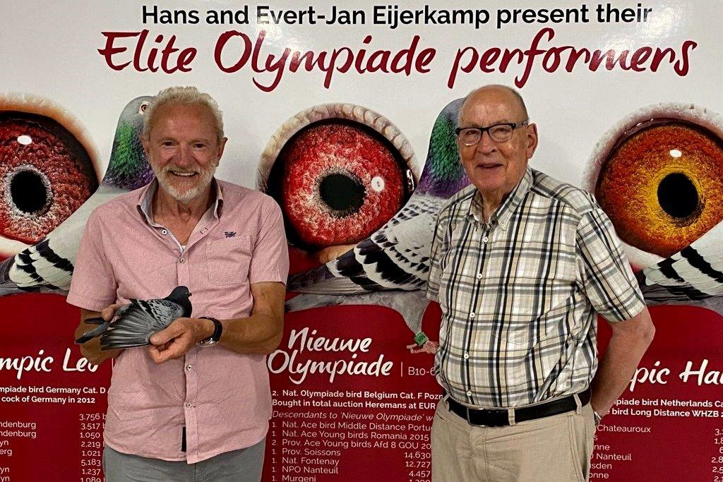 Leo Heremans visiting Hans Eijerkamp in September 2021 and handling the famous Nieuwe Olympiade