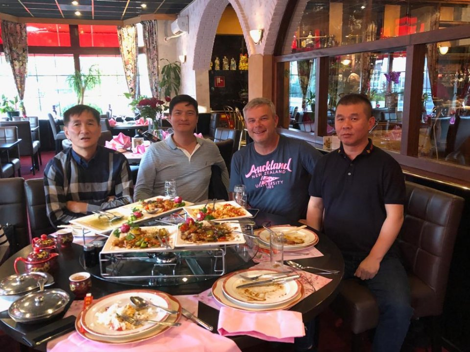Left James Huang ACE pigeon Pioneer  2018, next Sam Chung agent Jan Hermans right Wang Zhijun our Chinese partner